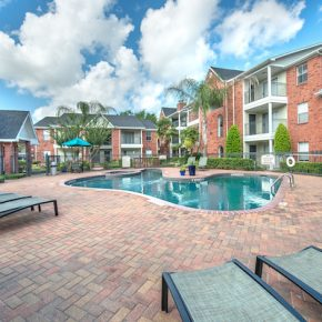 Pool at Lincoln Monarch Medical Center Apartments in Houston