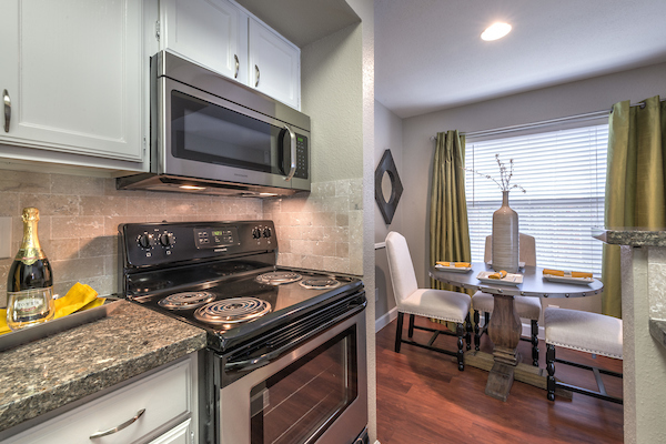 Kitchen at Lincoln Monarch Medical Center Apartments in Houston