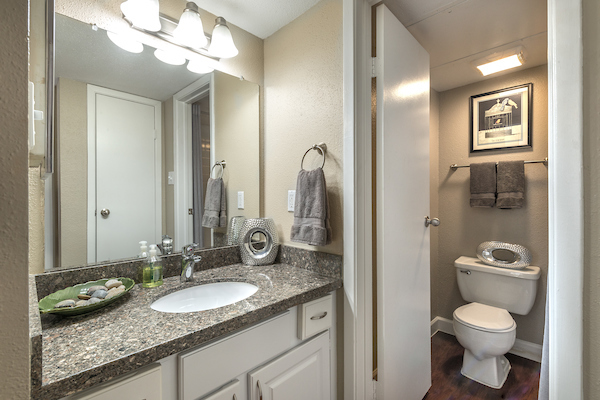 Bathroom at Lincoln Monarch Medical Center Apartments in Houston